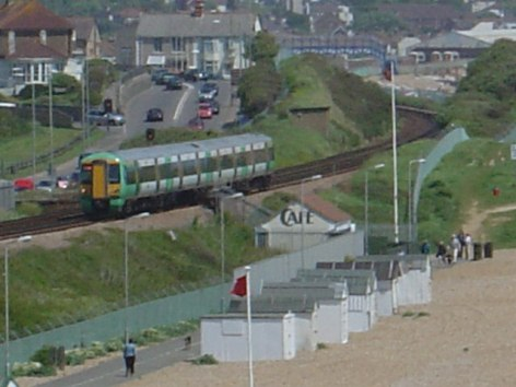 Access_tunnel_to_Glyne_Gap_Beach_-_geograph.org.uk_-_166642